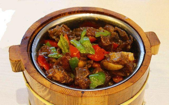 红烧土豆排骨木桶饭