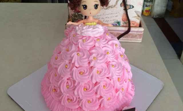 】汉密斯顿特价芭比娃娃洗澡蛋糕1个,约6英寸,圆-汉密斯顿团购 图片