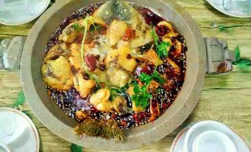 蜀乡石锅鱼-美团