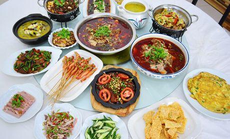 【扬州海中肥肠鱼肥肠】海中知识鱼8-10人餐团团购校园食品安全图片