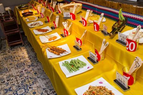 :长沙今日团购:【步行街】山香水湘菜自助餐厅仅售49.8元!价值55元的湘菜周末午餐自助,提供免费WiFi。