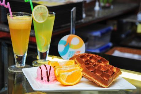 :长沙今日团购:【DAYLIGHT DONUTS甜甜圈.咖啡】单人中餐,提供免费WiFi