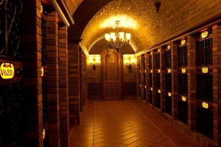 East东方红酒窖