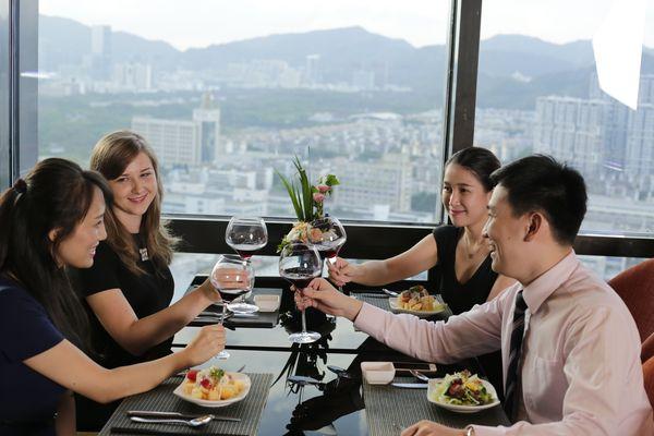 华强广场酒店椰香自助餐厅如何?