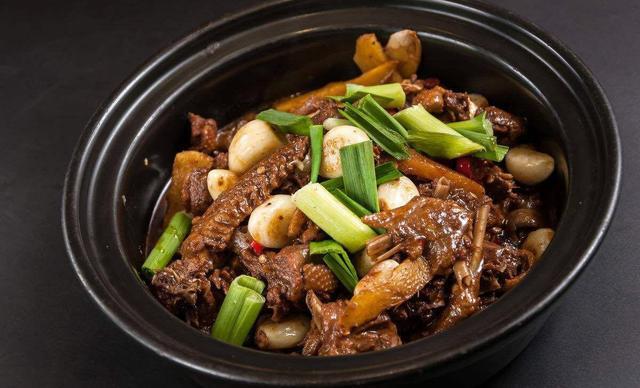 :长沙今日钱柜娱乐官网:【老鹅饭】9-12人餐,提供免费WiFi