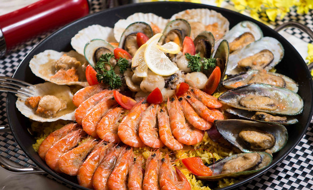 :长沙今日团购:【长沙三景韦尔斯利酒店Oval全日制餐厅】双人海鲜自助午餐,提供免费WiFi