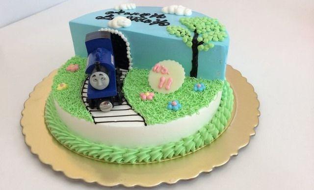 托马斯火车主题蛋糕1个,约2磅,卡通
