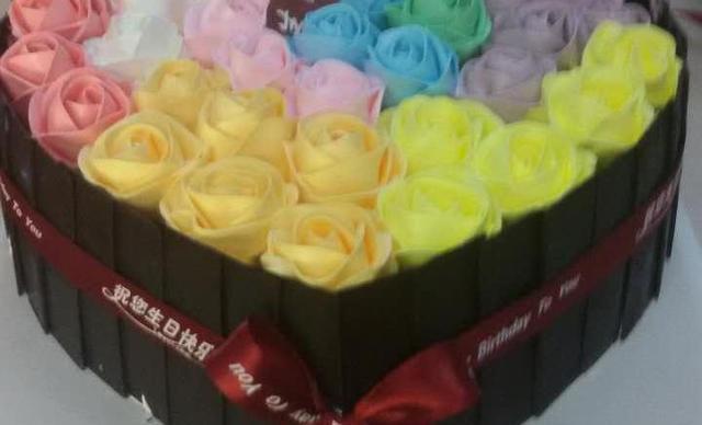 :长沙今日团购:【逸滋烘焙】爱心桃蛋糕1个,约12寸,心