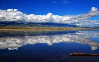 【西宁出发】青海湖二郎剑景区、茶卡盐湖、金沙湾等2日跟团游*观青海湖日出-美团
