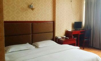 【酒店】武都宝利宾馆-美团