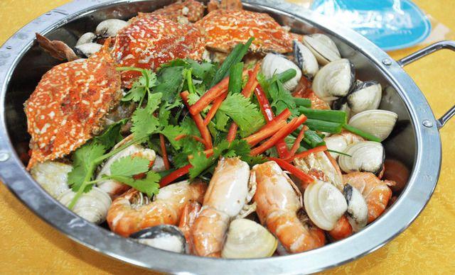 海鲜大杂烩套餐,建议6人使用,提供免费wifi