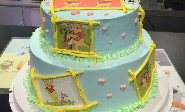 青岛在巴黎【在巴黎】双层立体卡通蛋糕1个,约10英寸