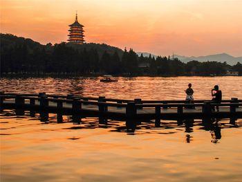 【南京出发】西湖、周庄、杭州宋城景区等纯玩2日跟团游*人间天堂,西湖美景。-美团