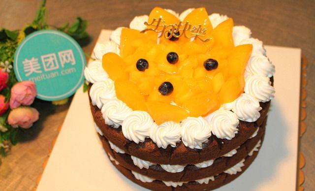 价值168元的欧式多层裸蛋糕1个