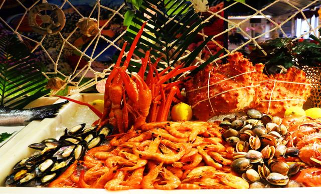 :长沙今日团购:【豪布斯卡酒店池畔西餐厅】三人晚餐,提供免费WiFi
