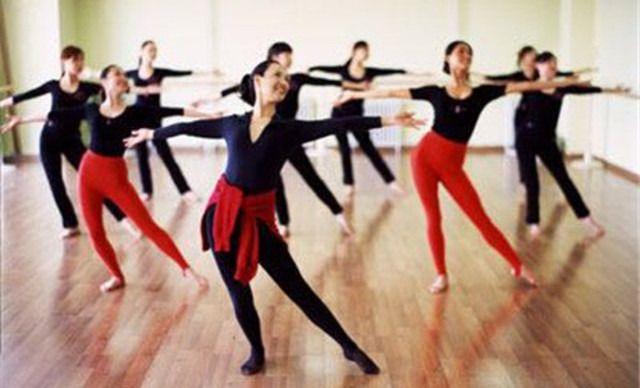 成人免费影院_成人舞蹈课1次,提供免费wifi