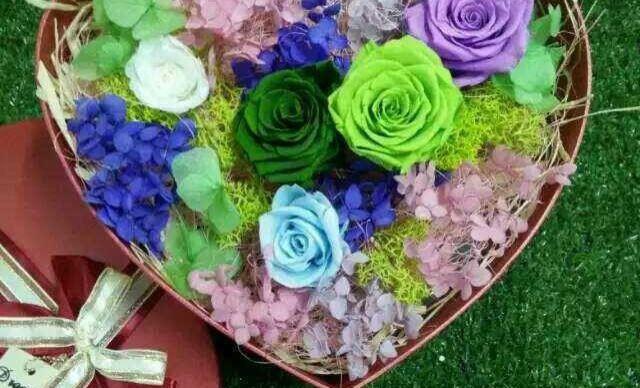 【春雨鲜花】18支精油皂花+12支小熊1束,提供aza包图片
