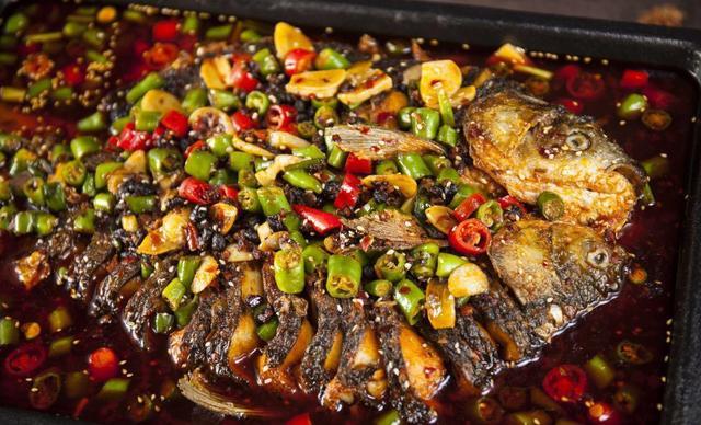 【花儿步行街】沙利海炭烤全鱼碳烤全鱼,建议3-4人使用