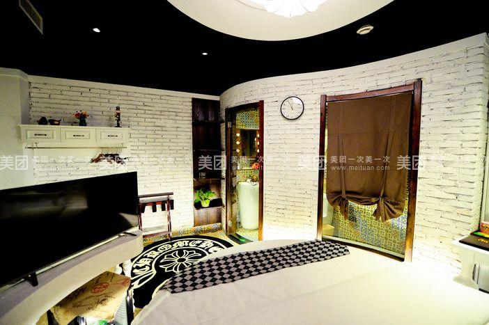 背景墙有 意识地挑选了古典建筑中具有代表性的欧式