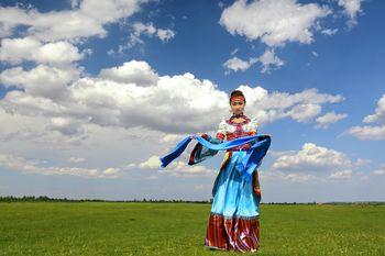 【鄂尔多斯出发】鄂尔多斯草原1日跟团游*蒙族风情草原一日游-美团
