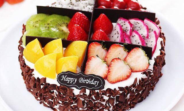 艾米利亚蛋糕水果蛋糕,仅售88元!价值168元的水果蛋糕1个,约8英寸,圆形。