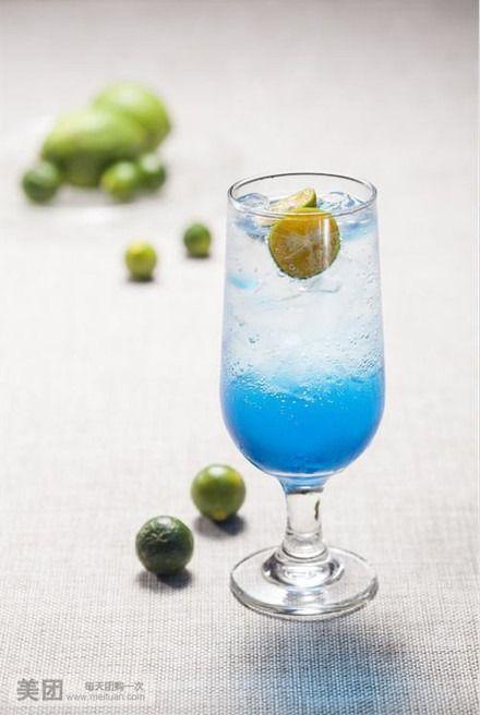 蓝柑气泡水