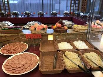 【博罗县】惠州怡情谷温泉门票+自助餐饮 - 双人票-美团