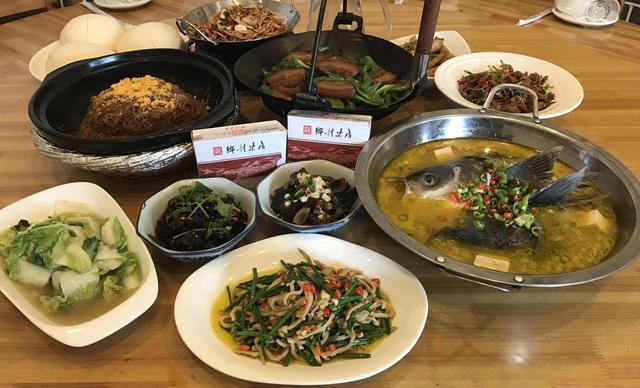 :长沙今日团购:【乡村柴房】9-10人餐,包间免费,提供免费WiFi
