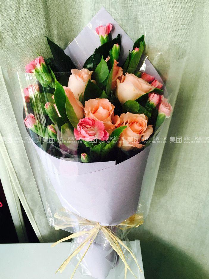 一束玫瑰花素颜照