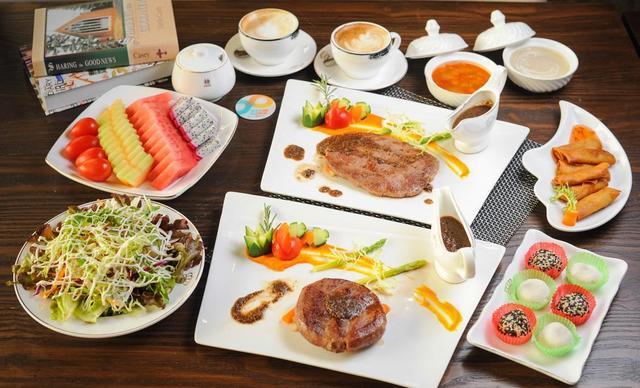 :长沙今日钱柜娱乐官网:【科斯塔法式西餐】牛排4选2,建议2人使用,提供免费WiFi