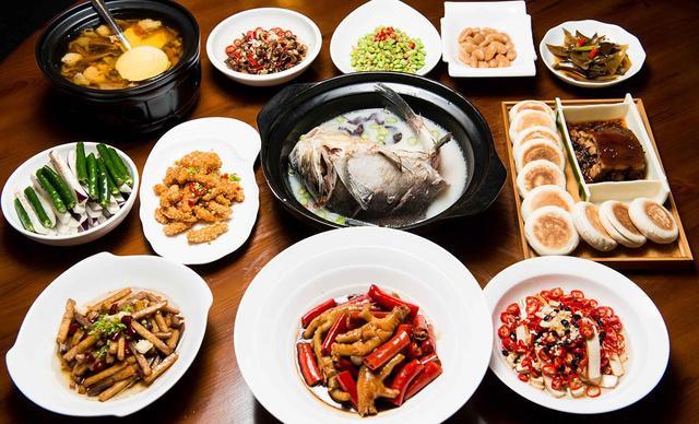 :长沙今日团购:【食尚米范】美味湘菜十人套餐,提供免费WiFi