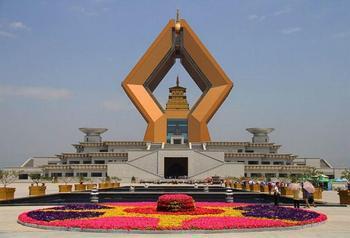 【西安出发】法门寺佛文化景区、乾陵、汉阳陵博物馆纯玩1日跟团游-美团