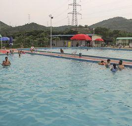 南湖山泉游泳场