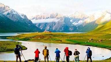 【成都出发】年保玉则国家地质公园、甘堡藏寨纯玩3日跟团游*神的后花园-美团
