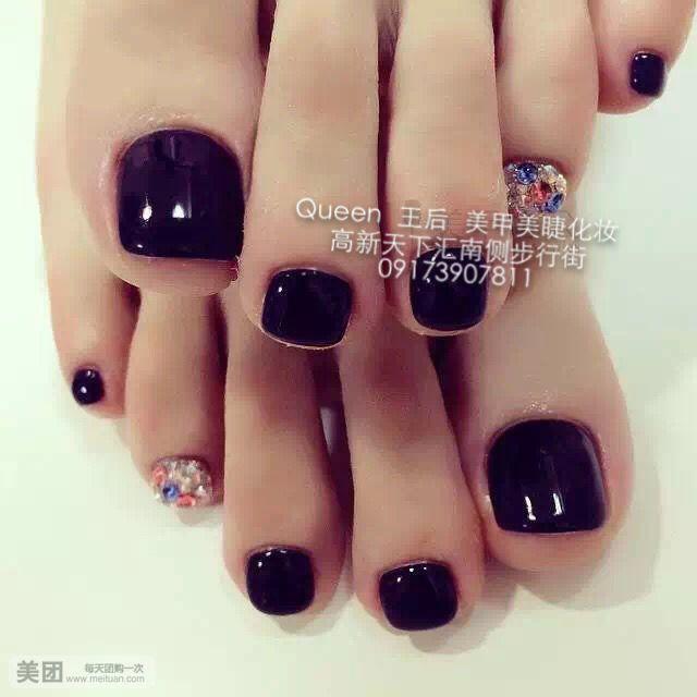 美甲脚趾甲《《美甲脚趾甲《《夏季脚趾甲紫色美甲