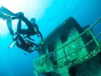 【三亚出发】分界洲岛纯玩1日跟团游*户外沉船潜水篝火晚餐-美团