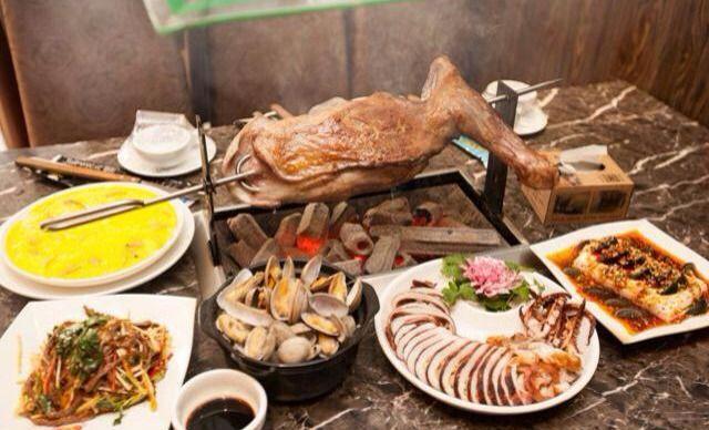 【锦江广场/电影城】三毛烤羊腿海鲜烧烤4-6人套餐,提供免费WiFi