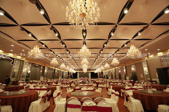 华夏世贸婚庆宴会中心以现代的设施