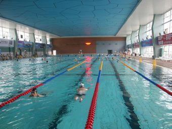 济宁游泳馆