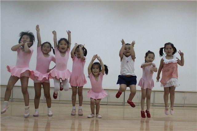 舞蹈课程3次,4种课程可选择