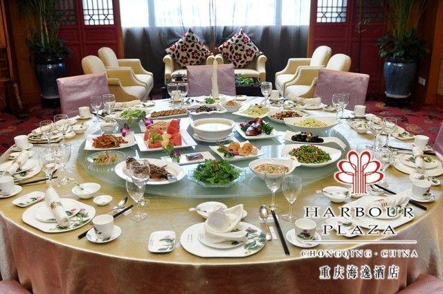 仅售688元 价值1398.4元的海逸轩中餐厅10人套餐,赠送水果拼盘1