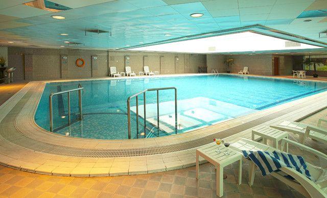 游泳单次票,单次畅游包括游泳、健身、桑拿,男女不限。