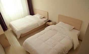 【酒店】速8酒店-美团
