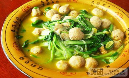 毛白菜炖肉丸