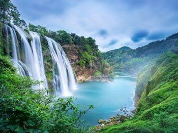 【贵阳出发】黄果树风景名胜区、龙宫、陡坡塘瀑布等无自费1日跟团游*赠旅游意外险礼包一份-美团