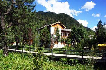 【拉萨出发】雅鲁藏布大峡谷、巴松措景区、南迦巴瓦峰等无自费3日跟团游*林芝VIP木屋别墅-美团