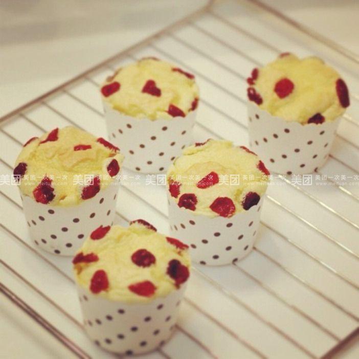 西点小王子   套餐内容 单价 数量/规格 小计 甜品10选1 黄油纸杯蛋糕