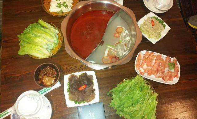 :长沙今日团购:【老北京涮羊肉羊蝎子】超值涮羊肉套餐,建议2-3人使用,提供免费WiFi
