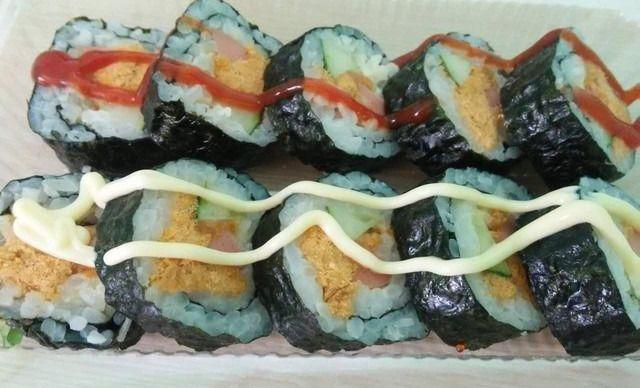 【冰岛之恋】肉松寿司火腿1份,享受美味,从此东京种喰美食家ova千绘图片