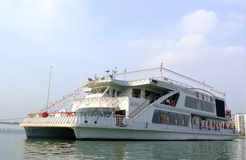 【城中区】瑞通游船(东堤旅游码头)三号船19:40门票成人票-美团